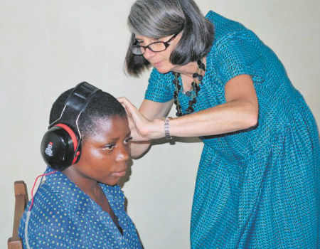 Aid for hearing in Congo